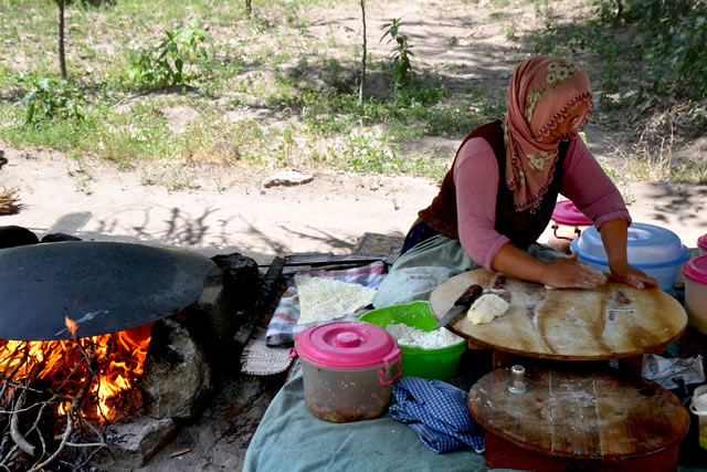 Village lady making Turkish gozleme
