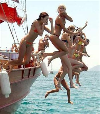 What is the recommended age for children on a Turkish Yacht Charter?